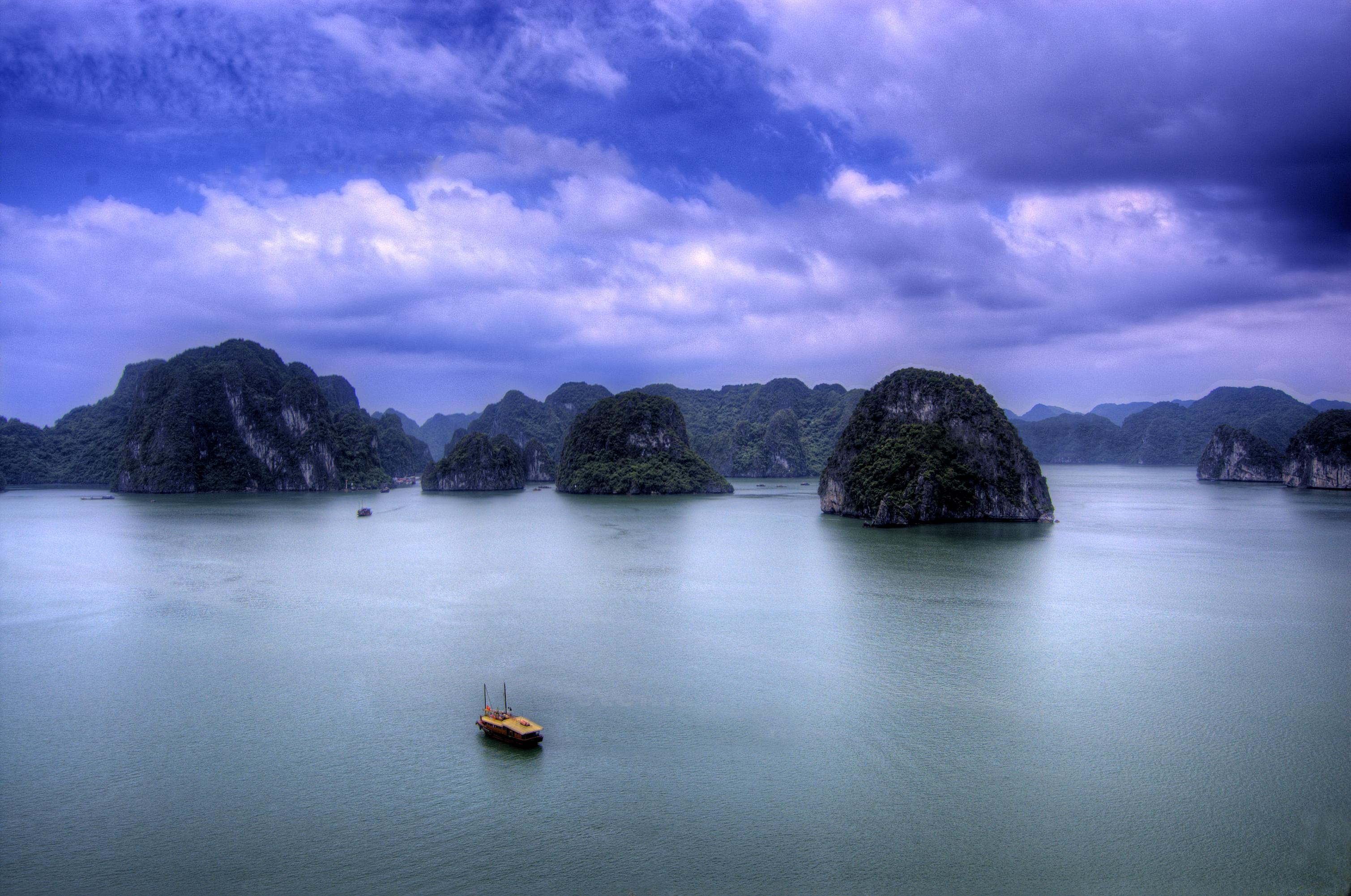 Granite columns of Rock at Halong Bay, Vietnam