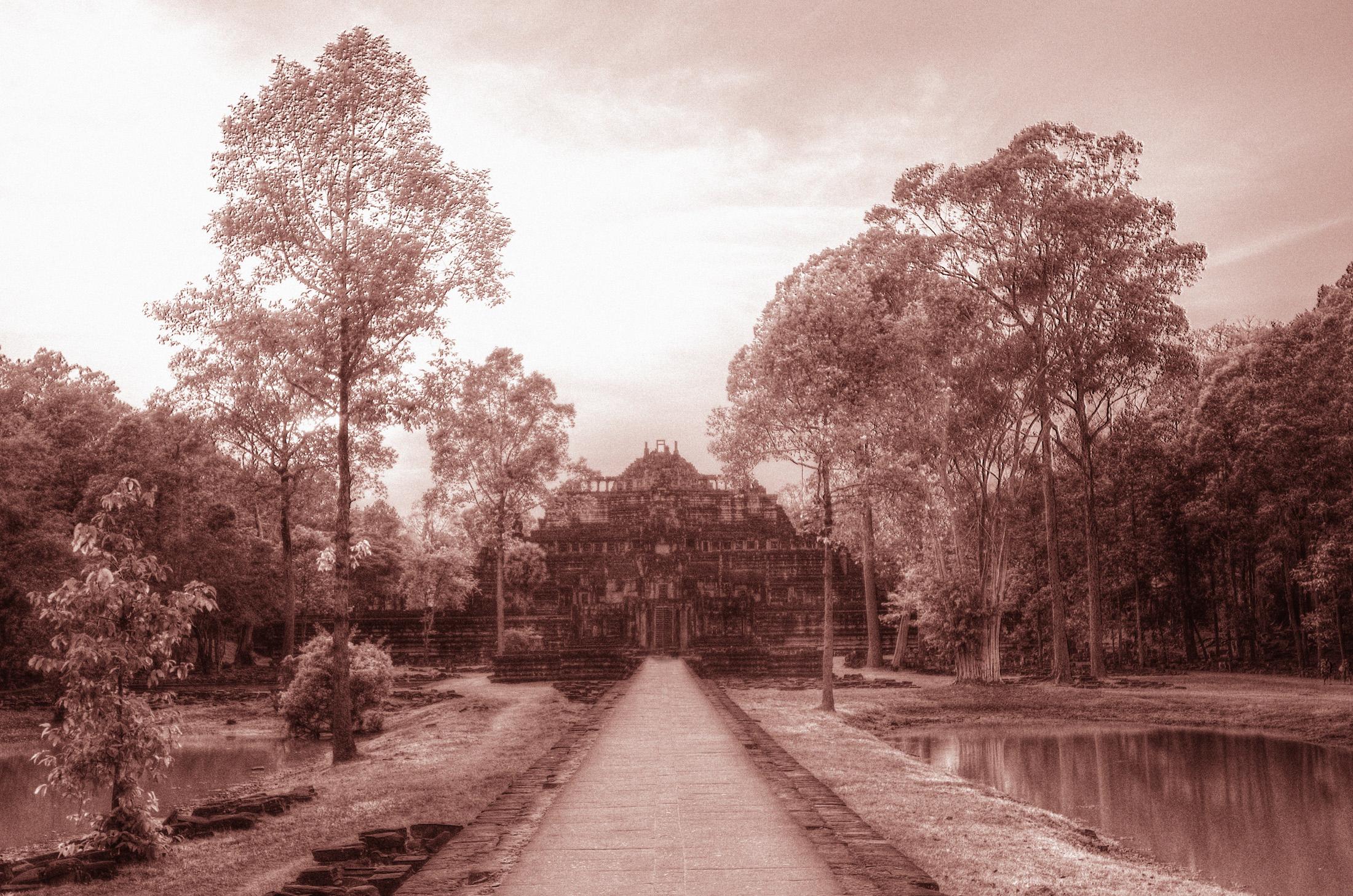 The ancient Angkorian King's promenade