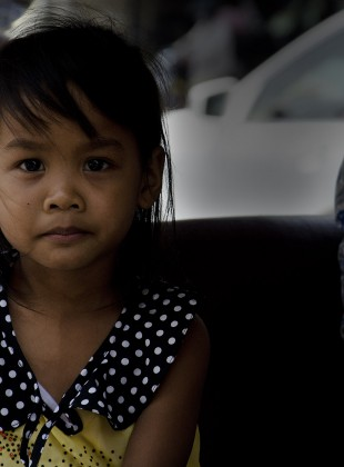 A pretty young girl in Phnom Penh, Cambodge