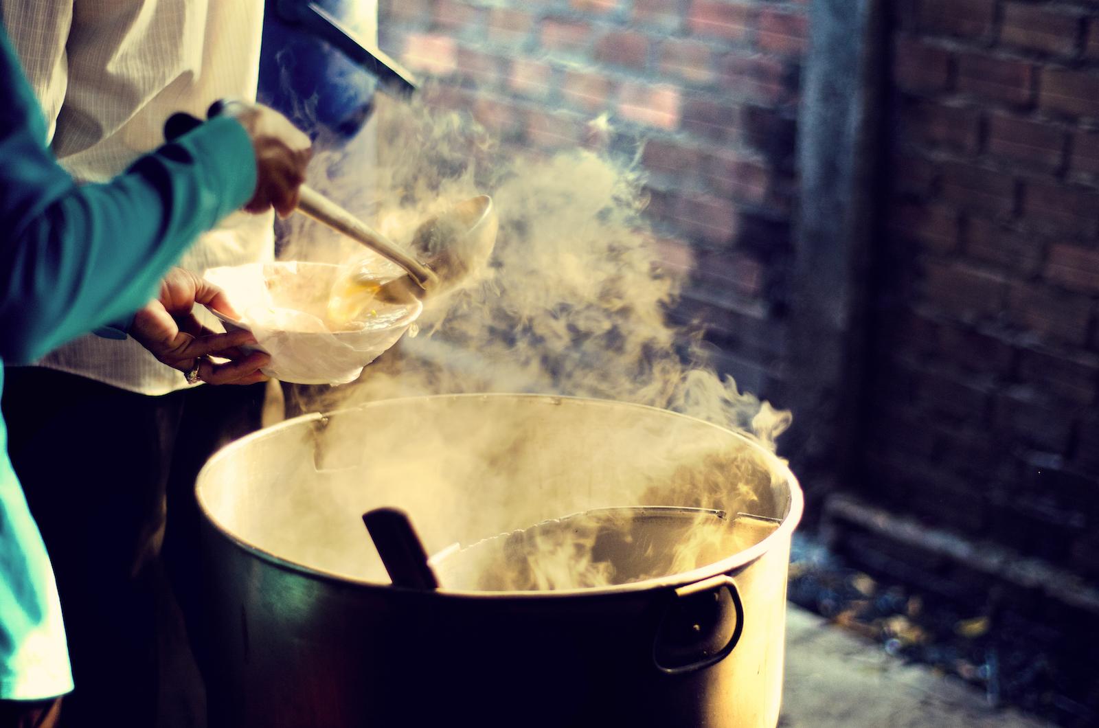 Kuy teav, Cambodian breakfast soup